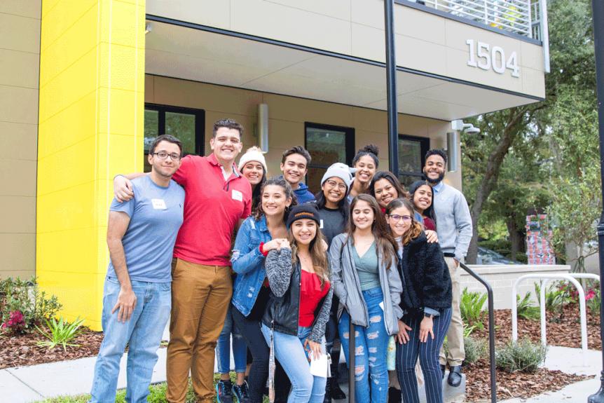 Students group picture at La Casita